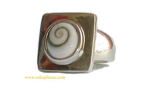 Anillo de plata 925, no muy grande pero robusto aprox 14 gr, Ojo de shiva de gran calidad y belleza engarzado. [PLANOJCP] para comprar al por Mayor o Detalle en la categoría de Ojo de Shiva - Plata