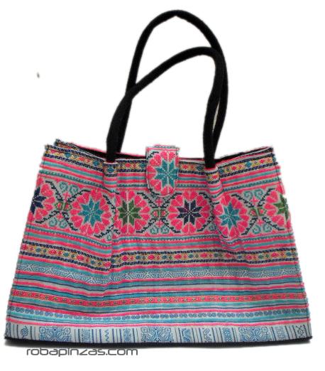 Bolso de mano- hombro étnico de telas tribales bordadas. Es un bolso [BOCH1] para Comprar al mayor o detalle