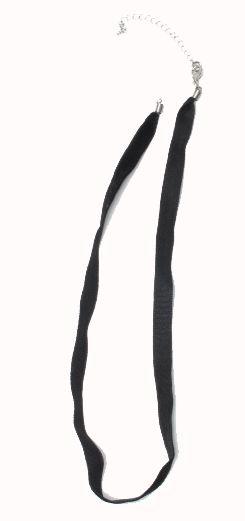Collar sencillo en material aterciopelado o bien algodón encerado, con cadena y mosquetón.Ideal para la ref: - DETALLE Comprar al mayor o detalle