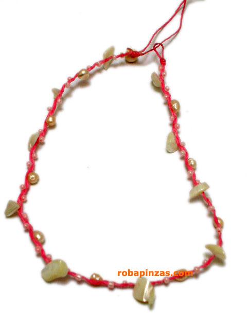 Pack de 12 collares variados. Collar cuero, piedritas, conchas etc. [CCU] para comprar al por Mayor o Detalle en la categoría de Outlet Bisutería hippie