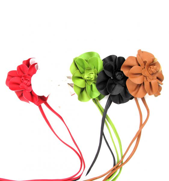 Cinturón flor cuero pa, con cordón de piel pa y motivo central con forma de flor - Detalle Comprar al mayor o detalle