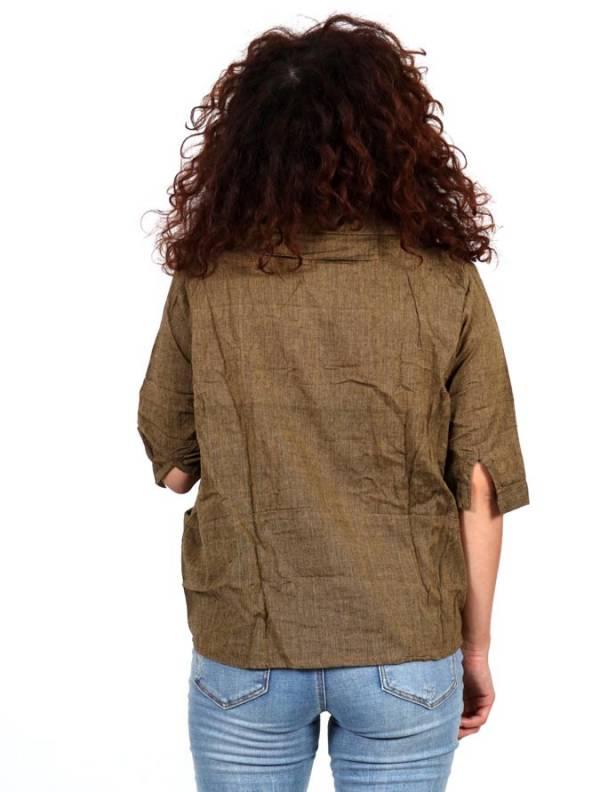 Camisa lisa con cuello pico y bolsillos - Detalle Comprar al mayor o detalle