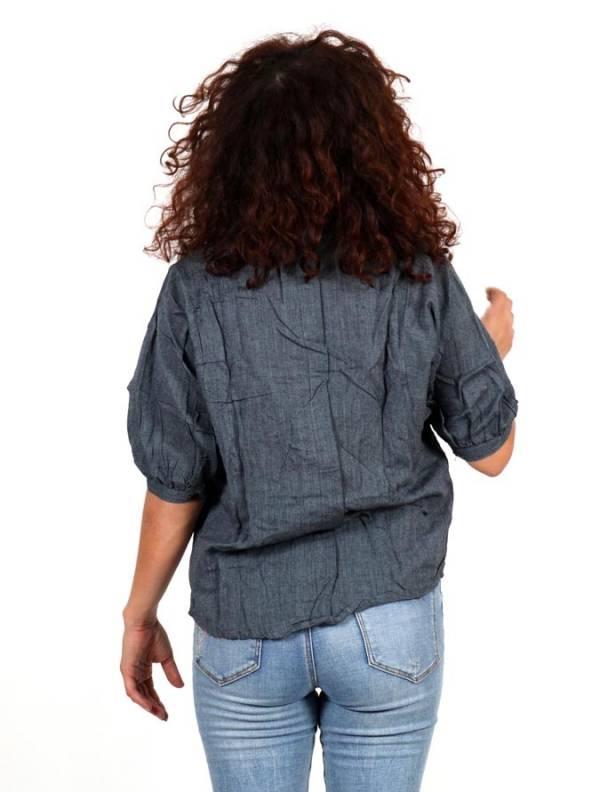 Camisa lisa con cuello pico y botones de coco - Detalle Comprar al mayor o detalle