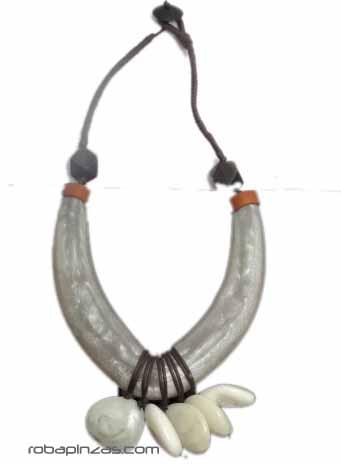 Collar tribal estilo africano, grande. Combinación de madera, piedras Comprar - Venta Mayorista y detalle