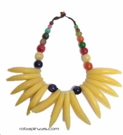 Collar tribal estilo africano. realizado en Ccombinación de resinas, [COBOU11] para Comprar al mayor o detalle