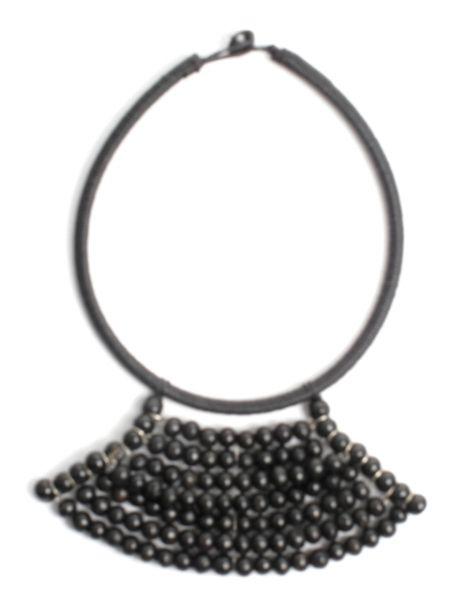 Collar étnico artesanal con forma triangular, hecho a mano con cuentas COBOU33 para comprar al por mayor o detalle  en la categoría de Bisutería Hippie Étnica Alternativa.