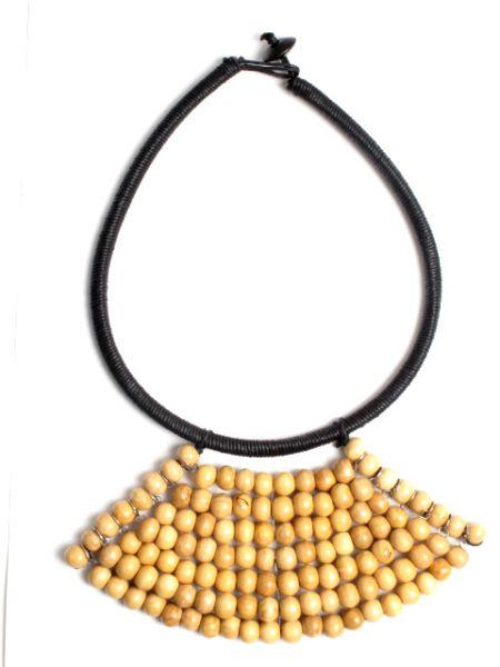 Collar étnico artesanal con forma triangular, hecho a mano Comprar - Venta Mayorista y detalle