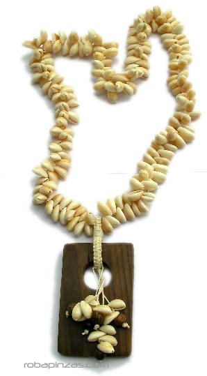 Collar conchas, motivo en madera tallada, largo. Comprar - Venta Mayorista y detalle