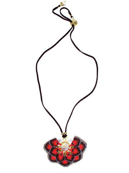 Collar colgante grande flor macrame - Detalle Comprar al mayor o detalle