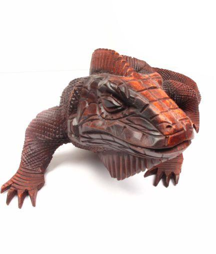 Iguana tallada, iguana tallada en madera tropical, largo de 40cm [DBI09] para comprar al por Mayor o Detalle en la categoría de Decoración Etnica