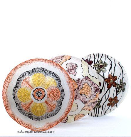 Lámpara decorativa realizada en fibra de vidrio viene con base de madera. No incluye casquillo ni enchufe. diámetro aprox 35cm - DETALLE Comprar al mayor o detalle