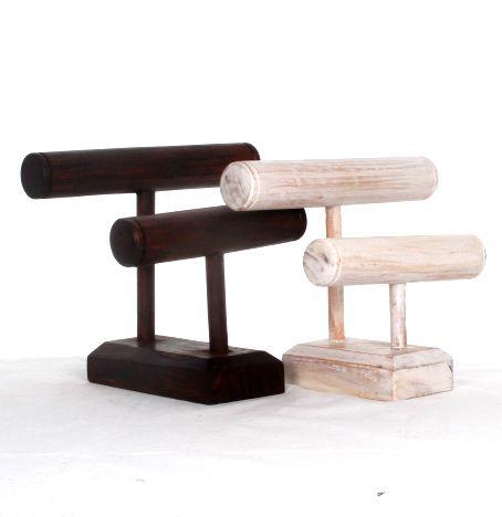 Expositor de pié en escalera para pulseras de dos alturas, en madera medidas 25x22x14 cm - detalle Comprar al mayor o detalle