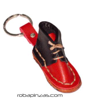 Llavero bota hecho a mano en cuero. [LLVZ] para comprar al por Mayor o Detalle en la categoría de Artículos varios
