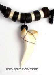 Large shark tooth pendant to buy wholesale or detail in the Alternative Ethnic Hippie Jewelry and Silver category | ZAS Online Store [CODT3].
