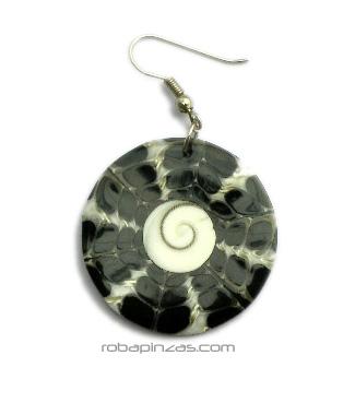 Pendientes, de concha negra con ojo de Shiva en el centro. Cierre bisutería, precio por PAR [PERE02] para comprar al por Mayor o Detalle en la categoría de Pendientes Hippies Etnicos