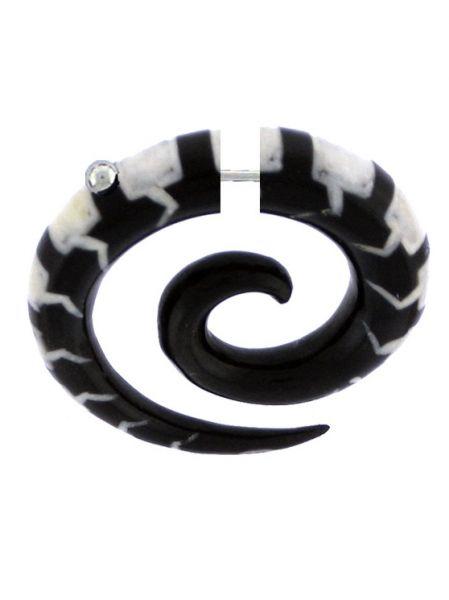 Pendientes Falso-Dilatadores - Falso expansor de cuerno de búfalo tallado [PIFLP07] para comprar al por mayor o detalle  en la categoría de Bisutería Hippie Étnica Alternativa.
