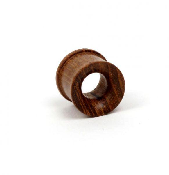Plug tallado en madera, tallas: grandes. Precio Unidad PIPUM3B para comprar al por mayor o detalle  en la categoría de Piercing Dilatadores Cuerno y Hueso.