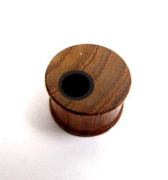 Plugs Madera Cuerno Hueso - Plug de 4 a 12mm madera con agujero lateral, precio unidad [PIPUMD04A] para comprar al por mayor o detalle  en la categoría de Piercing Dilatadores Cuerno y Hueso.