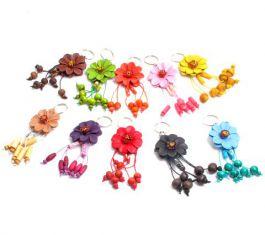 Llavero flor de cuero pequeña detalle del producto