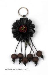 llavero flor de cuero grande Mod Negro