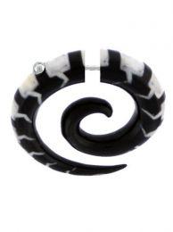 Faux expanseur en corne de buffle sculpté, pour acheter en gros ou en détail dans la catégorie des bijoux alternatifs ethniques hippie et argent | Boutique en ligne ZAS. [PIFLP07]