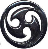 Tampão esculpido em chifre de búfalo com motivo triskele. tamanhos, para comprar no atacado ou detalhes na categoria Jóias étnicas hippie alternativas e prata | Loja online ZAS. [PIPU3A]