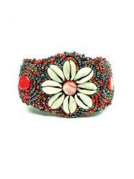 Ethnisches breites Blumenschalenarmband. Ethnische Hippie-Armbänder zum Kauf im Großhandel oder Detail in der Kategorie Alternativer ethnischer Hippie-Schmuck und Silber | ZAS Online Store. [PUAB03]