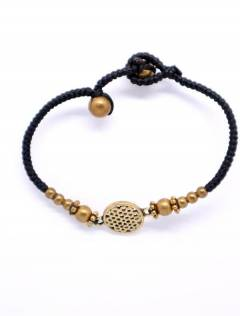 Macrame and brass bracelet with Mandala [PUAM05-D]. Ethnic Hippie Bracelets to buy wholesale or detail in the category of Alternative Ethnic Hippie Jewelery.