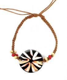 Bracelet coquillage hippie macramé., Pour acheter en gros ou détail dans la catégorie Vêtements Hippie Femme | Boutique alternative ZAS. [PUCPU1]