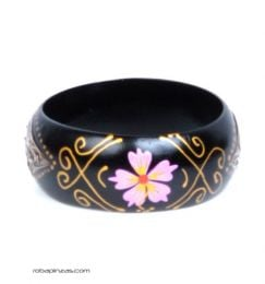 Wide bangle type wooden bracelet decorated with flowers., To buy wholesale or detail in the Alternative Ethnic Decoration category. Incense and Displays | ZAS Hippie Store. [PUMD6]
