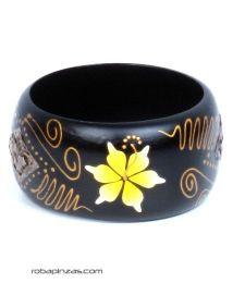 Pulseira larga de madeira decorada com flores. PUMD6 para comprar a granel ou em detalhes na categoria Roupa étnica alternativa para hippie.