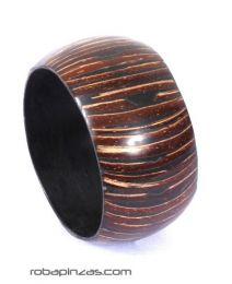 Bracelet en noix de coco et résine, type jonc, large, pour acheter en gros ou détail dans la catégorie Vêtements pour femmes Hippie | Magasin alternatif ZAS. [PUPA02]