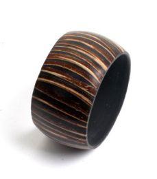 Armband aus Kokosnuss und Harz, Armreif, breites PUPA02 zum Kauf im Großhandel oder Detail in der Kategorie Alternativer ethnischer Hippie-Schmuck und Silber | ZAS Online Store.