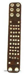 Pulsera cuero multi tachuelas, detalle del producto