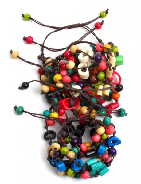 Pulsera hippie hecha a mano con cuentas de hueso y bolas de madera coloreadas, cierre regulable - detalle Comprar al mayor o detalle