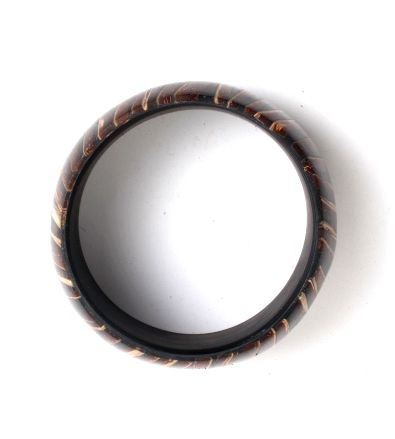 Pulsera coco y resina, tipo bangle, ancha - detalle Comprar al mayor o detalle