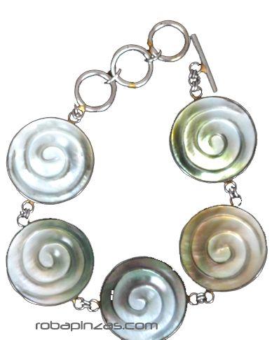 - Pulsera en acero inox con conchas, nacar, madre perla, cierre regulable [PUVI20] para comprar al por mayor o detalle  en la categoría de Complementos Hippies Alternativos.