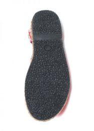 sandalia cerrada étnica detalle del producto