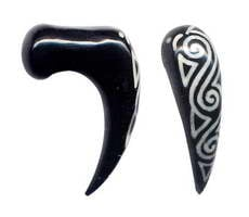 Skewers and Spirals Bone Horn - Carved and stuffed buffalo horn dilator (inlay), Thick: [PITP23] to buy wholesale or detail in the category of Horn and Bone Dilators Piercing.