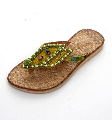 Sandalia de rattán diseño hoja realizada con cuentas de colores, Comprar - Venta Mayorista y detalle