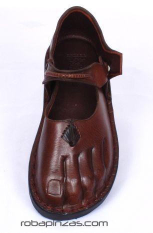 sandalia, zapato de piel, forma de pié. con detalles en conchas. Comprar - Venta Mayorista y detalle