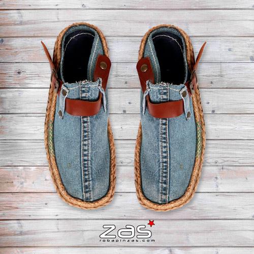 zuecos - sandalias fabricadas con tela vaquera de jeans reciclados