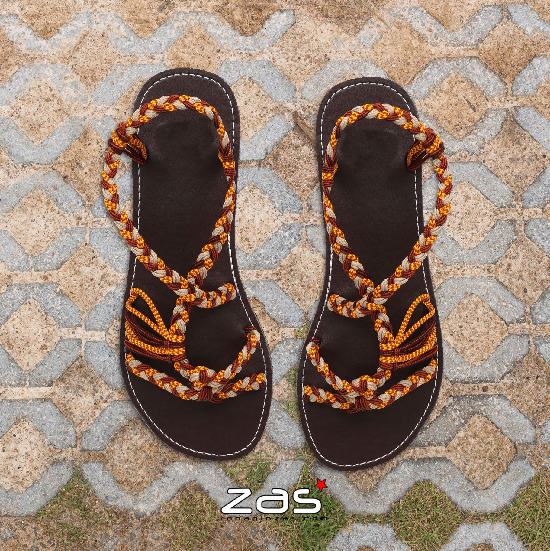 Sandali allacciati hippie